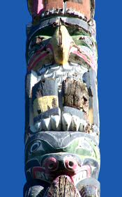 totem pole closeup