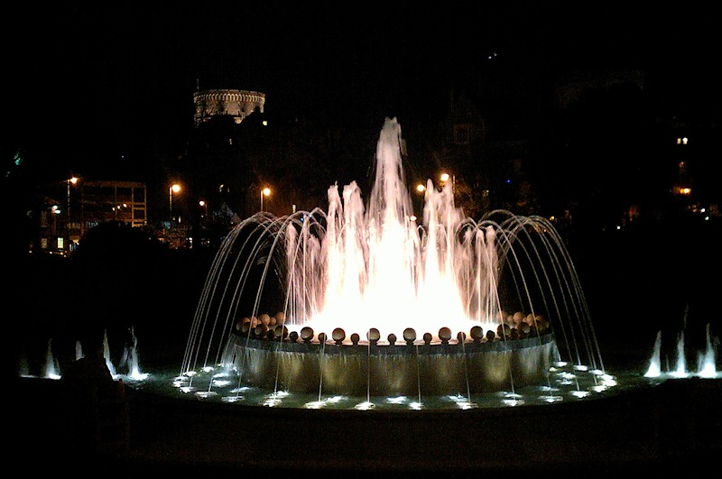 jubilee fountain night