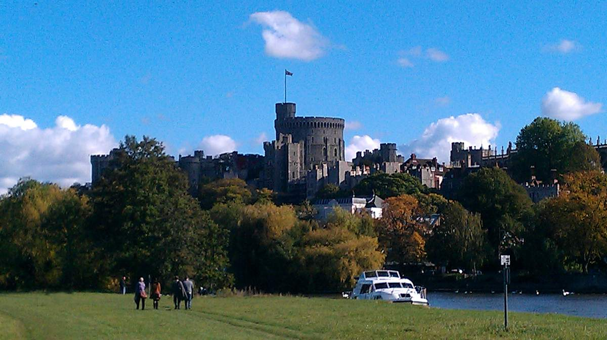 thames by windsor castle