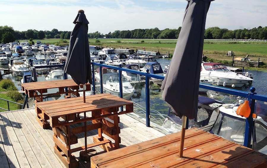 Gogos Waterfront Restaurant Maidenhead Road Windsor