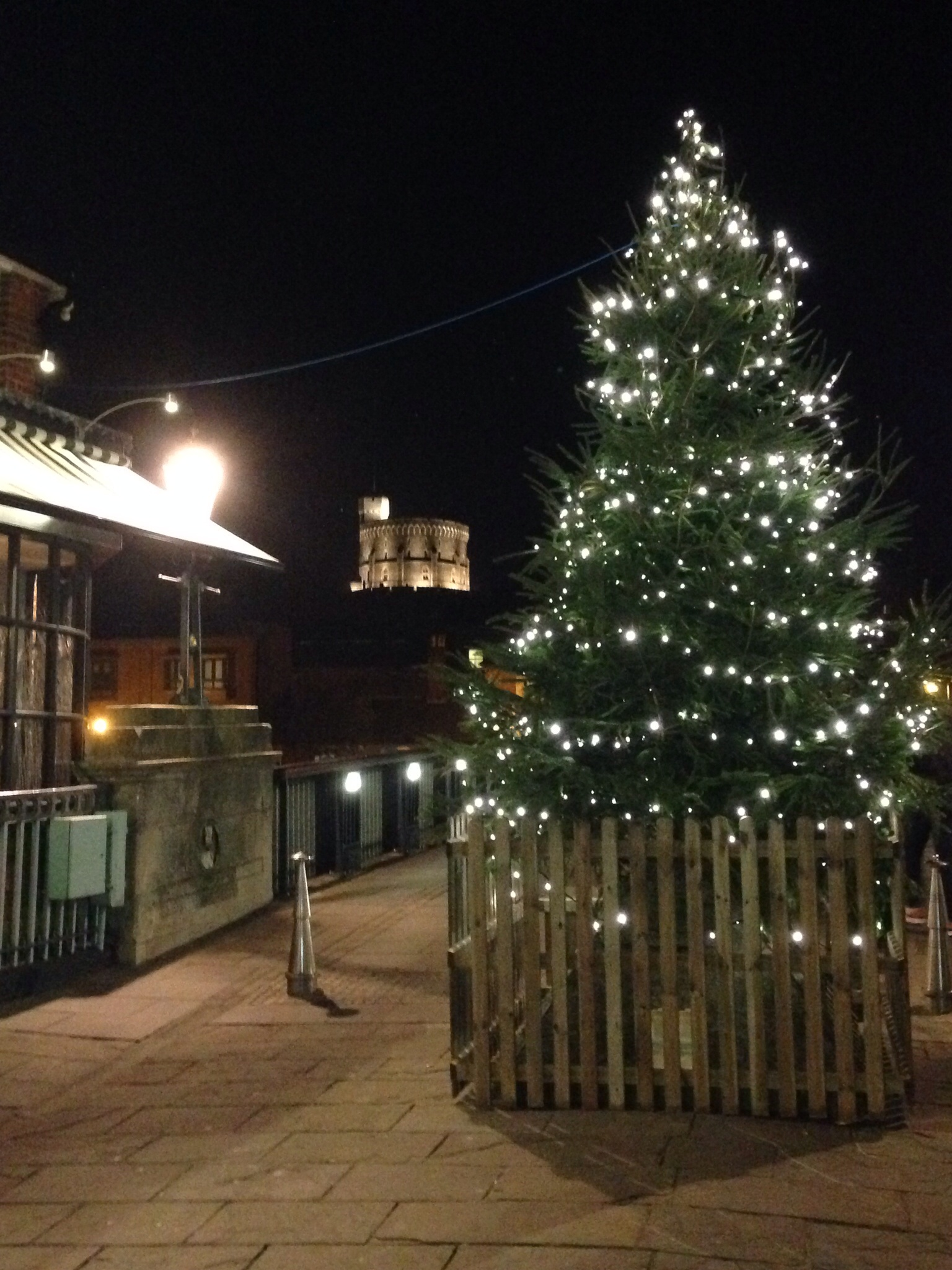 Castle to glow this Christmas