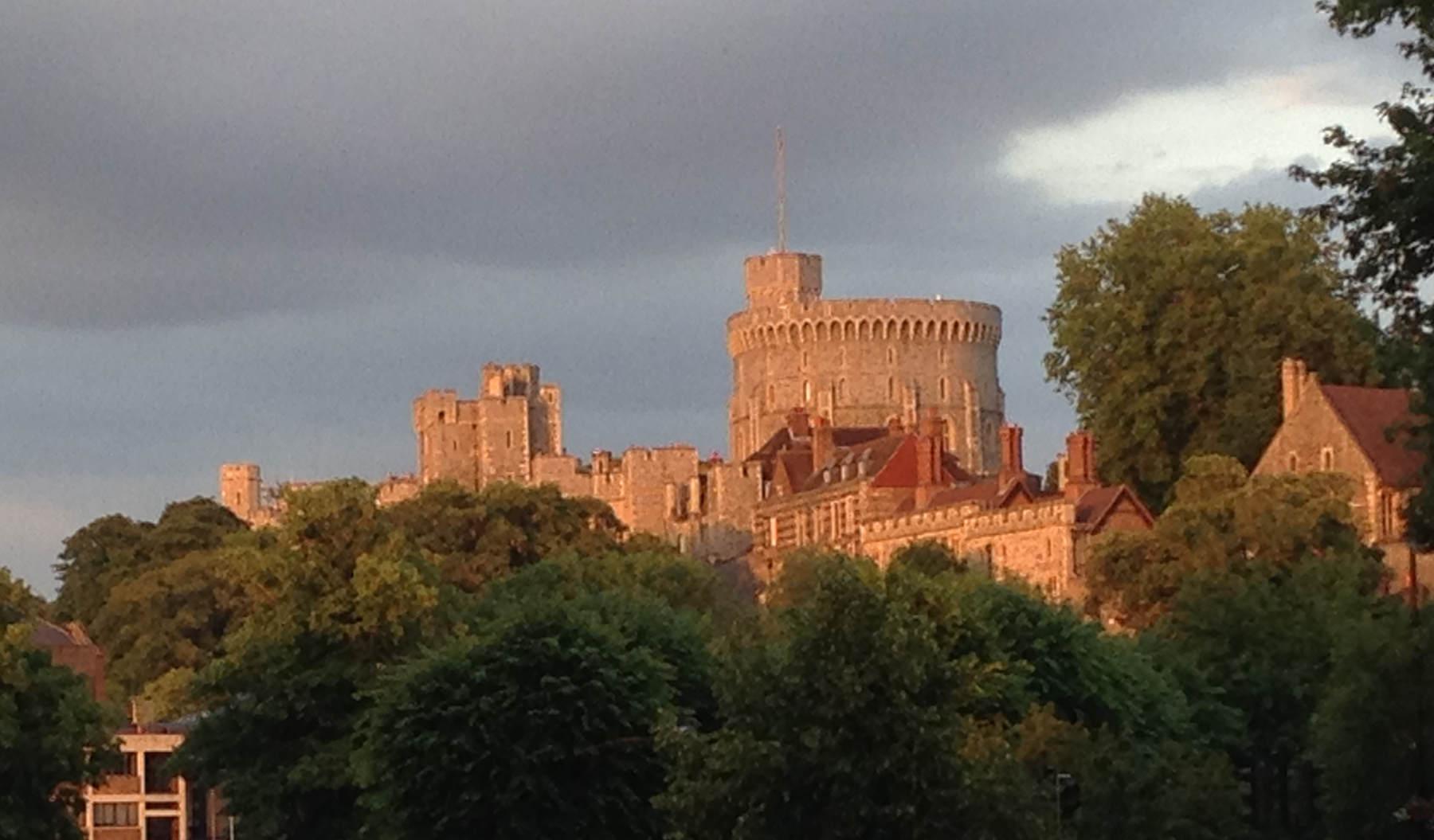 windsor castle at dusk